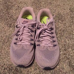 Nike lavender Zoom running shoes